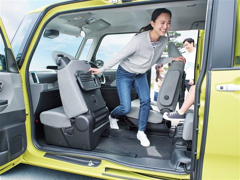 ダイハツ「タント」 唯一無二のミラクルオープンドアを採用する軽スーパーハイトワゴン