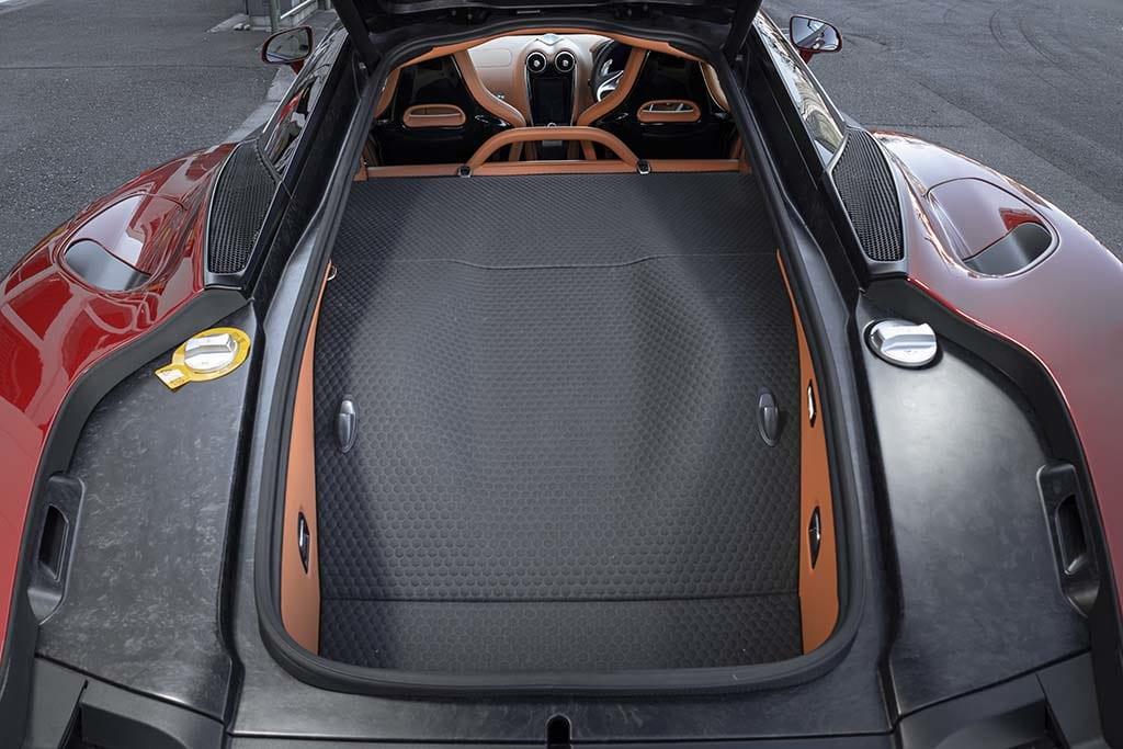 【比較試乗】「ポルシェ 911 ターボS カブリオレ vs マクラーレンGT」日常と非日常を自在に行き来できる、高性能GTスポーツの魅力の源泉とは?