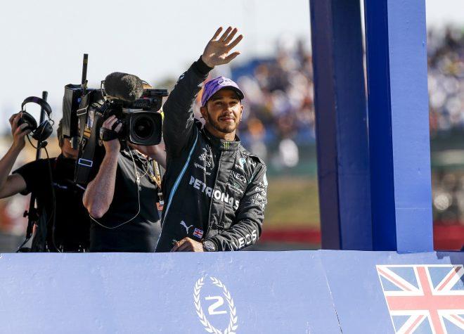 """ポールを取り逃したハミルトン、""""最悪のスタート""""に当惑:メルセデス/F1第10戦スプリント予選"""