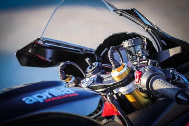 1099ccに拡大! アプリリア新型「RSV4 Factory」受注開始、巨大なウイングレットで空力も進化