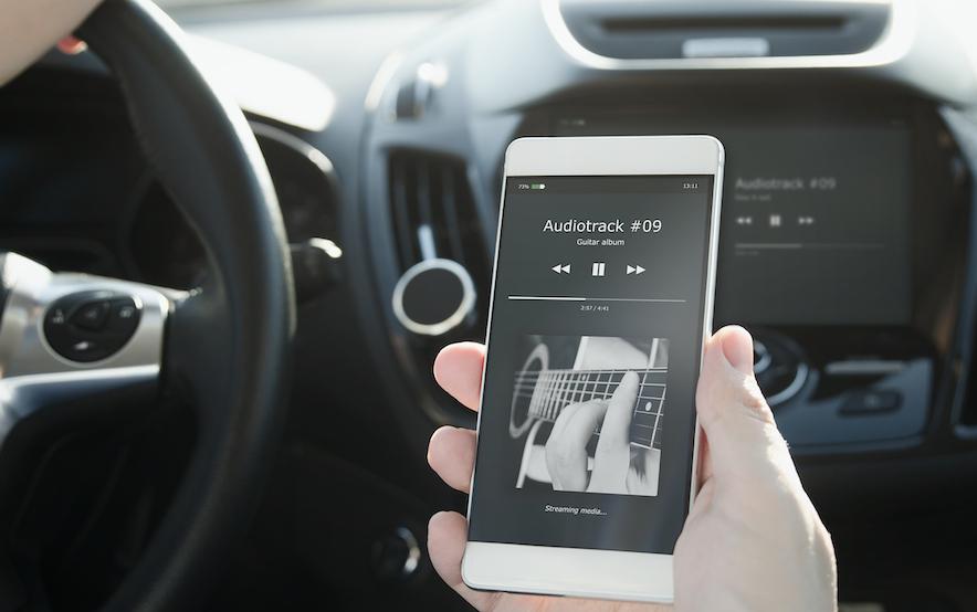 ドライブの時によく聴く音楽のジャンルTOP3、3位ヒップホップ、2位レゲエ、1位は?