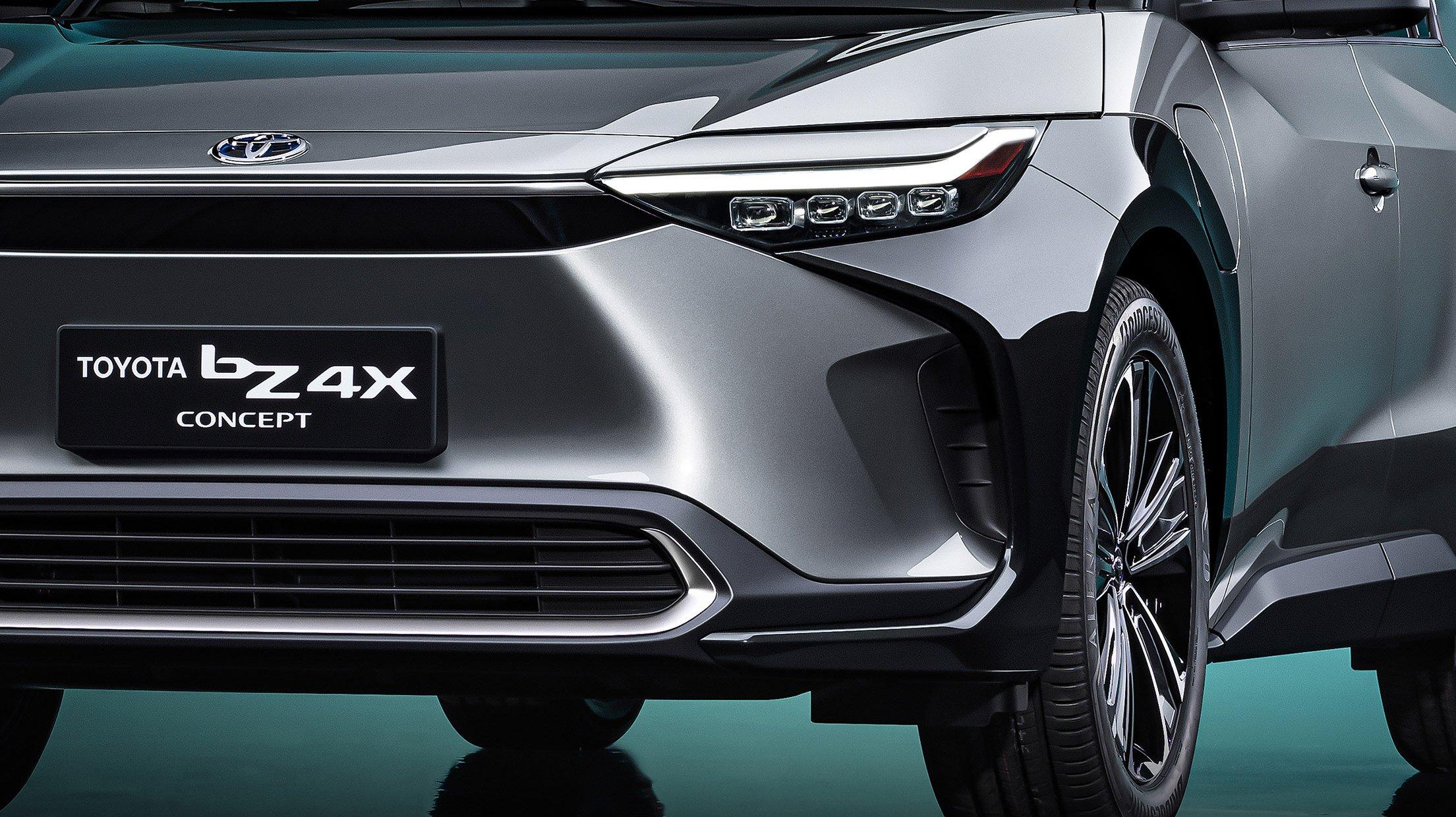 マジで来年発売…! トヨタとスバル共同開発の新SUVは新ブランドのフラッグシップ!!