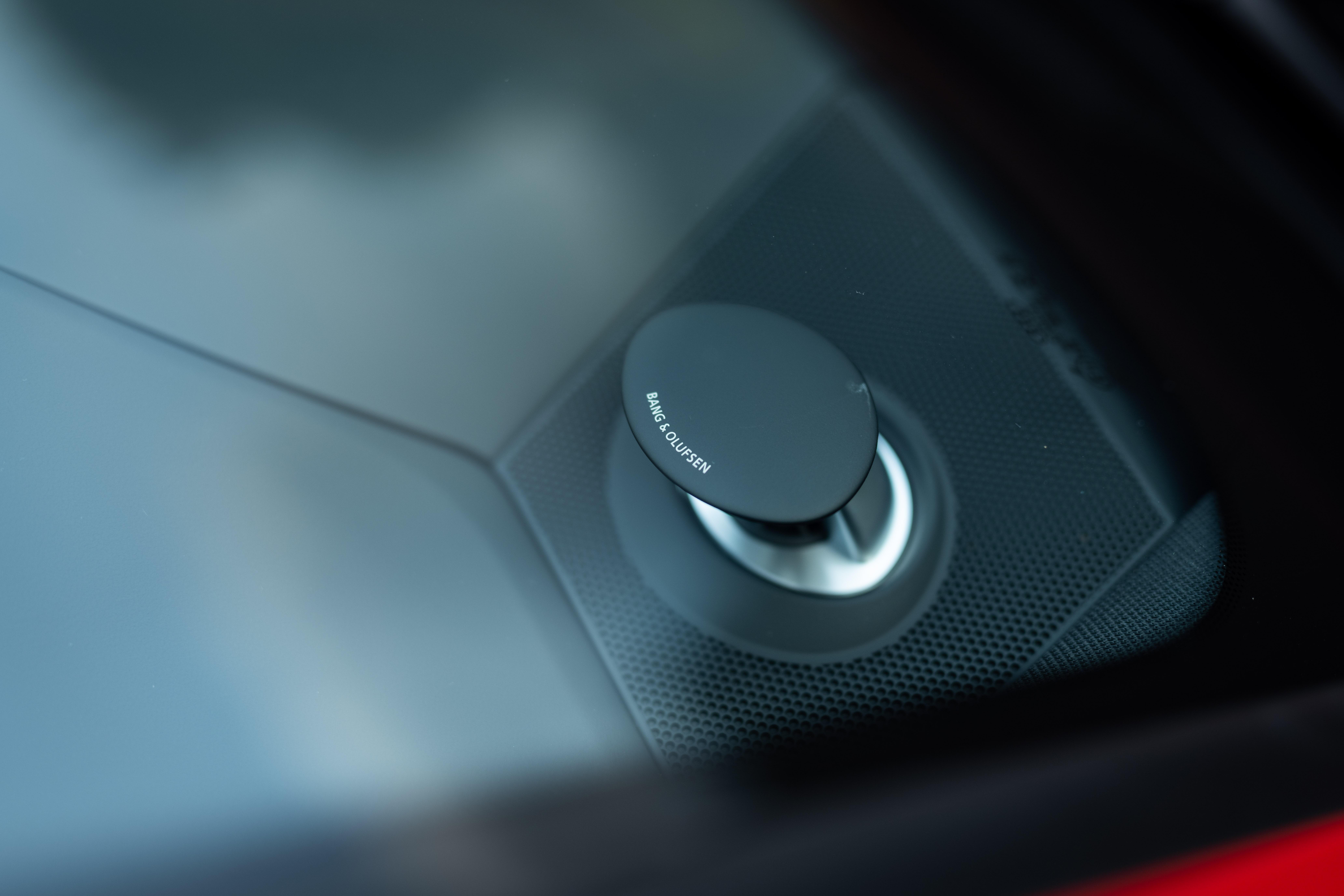ステーションワゴンのかたちをしたスーパーカーだ!──新型アウディRS6アヴァント試乗記