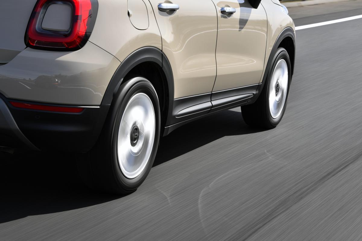 タイヤの空気圧は「ピッタリ」じゃなきゃダメ? 「高い」「低い」起こることと「あえて」変えたほうがいい場合