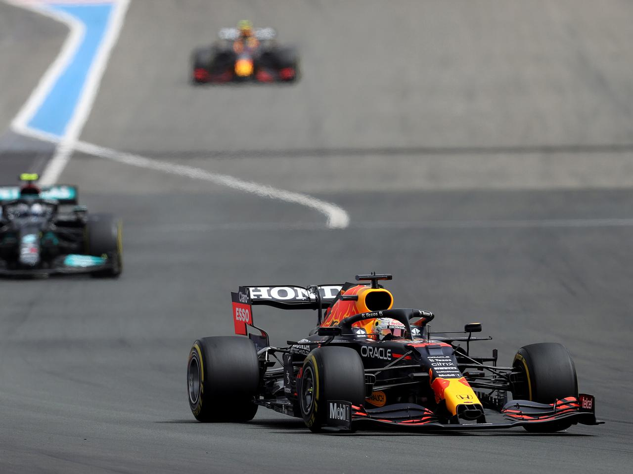 2021年F1第7戦、レッドブル・ホンダの2台が最終盤の劇的逆転でポイント差をさらに拡大【フランスGP】