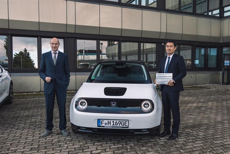 ドイツの自動車賞でホンダeが大賞に…それでも日本メーカーのEV戦略が遅れをとっている理由とは