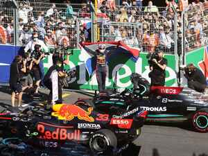 フェルスタッペンの母国GP優勝は「必要な時に確実に3秒の差を確保できたのがポイントだった」【オランダGP決勝】