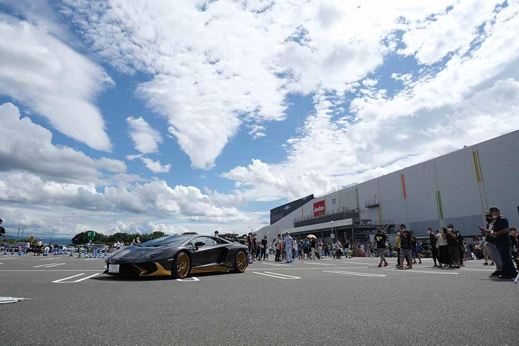 炎天下のイオンモールにスーパーカーが集結!「スーパーカーFES in イオンモール大和郡山」リポート