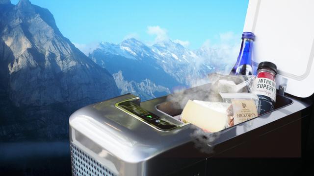 超小型冷蔵庫、一酸化炭素チェッカー、ポータブルクーラー、車中泊を快適に楽しむ便利アイテム3選