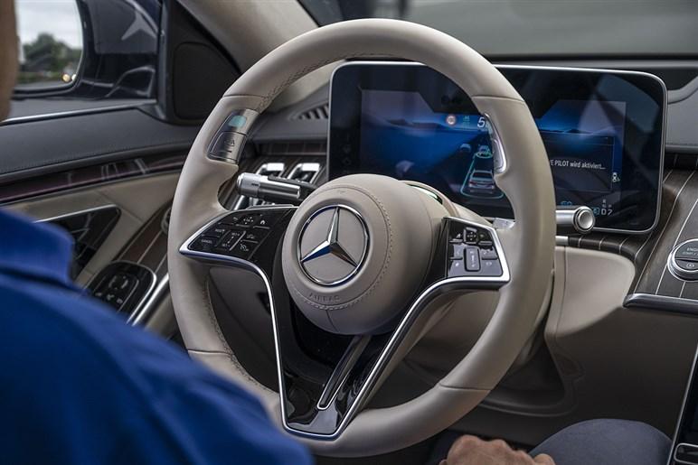意外に安い? メルセデスのSクラスに来年設定されるレベル3運転システムは限定販売ではなく価格は約120万円