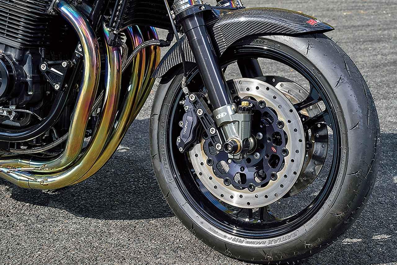 ケイファクトリー ゼファー1100(カワサキZEPHYR1100)往年のレーサーの雰囲気を今のストリートで楽しむ!【Heritage&Legends】