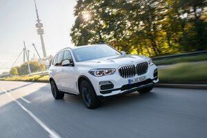 4代目『BMW X5』に、直列6気筒PHEVと530馬力のV8搭載モデルが登場