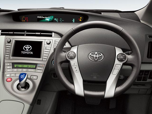 トヨタ プリウスPHV 2015年6月〜モデル