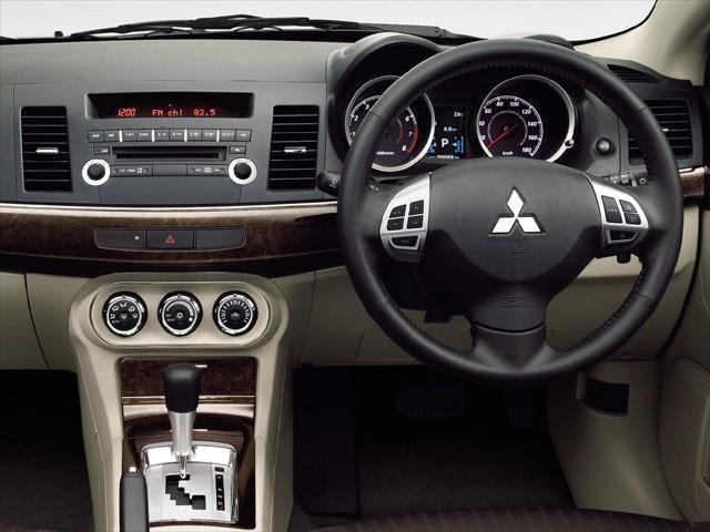 三菱 ギャランフォルティス 新型・現行モデル