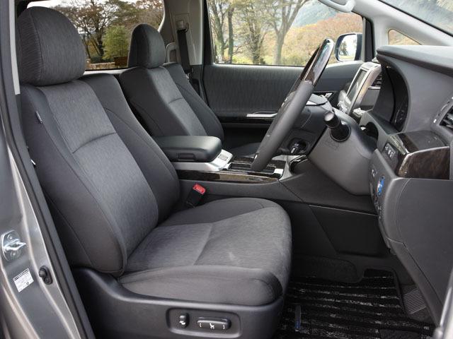 トヨタ ヴェルファイアハイブリッド 新型・現行モデル