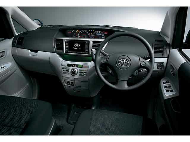 トヨタ ヴォクシー 2005年8月〜モデル