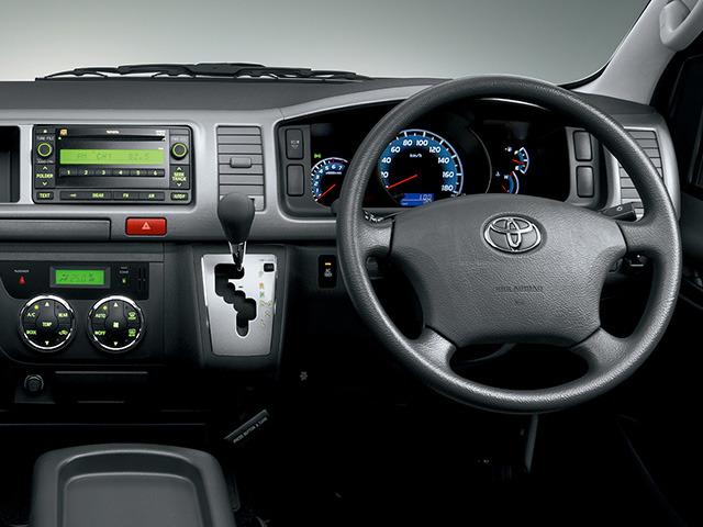 トヨタ ハイエースコミューター 2012年5月〜モデル