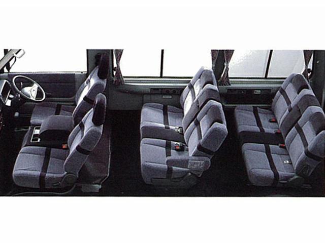 マツダ ユーノスカーゴ 新型・現行モデル