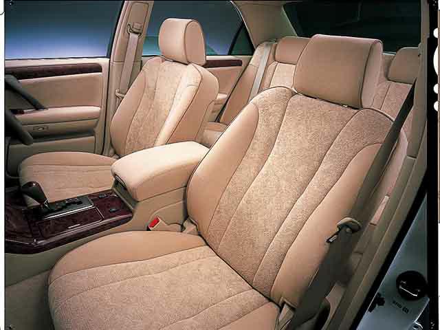トヨタ クラウンアスリート 2001年8月〜モデル