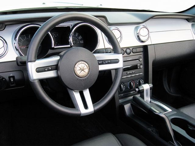 光岡自動車 ガリューコンバーチブル 新型・現行モデル