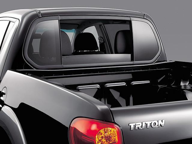 三菱 トライトン 新型・現行モデル
