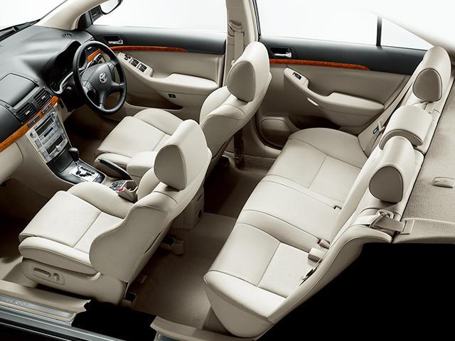トヨタ アベンシス 2006年7月〜モデル