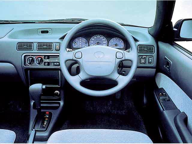 トヨタ コルサセダン 新型・現行モデル