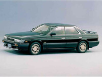 日産 ローレル 1988年12月〜モデルのカタログ画像