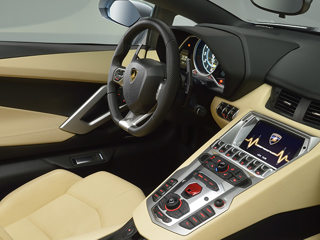 ランボルギーニ アヴェンタドールロードスター 新型・現行モデル