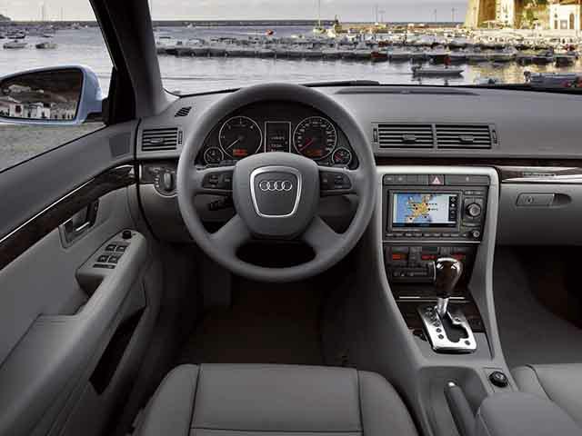 アウディ A4 2006年7月〜モデル
