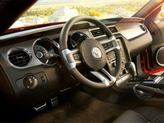 フォード マスタングコンバーチブル 新型・現行モデル