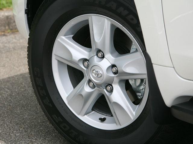 トヨタ ランドクルーザー200 新型・現行モデル