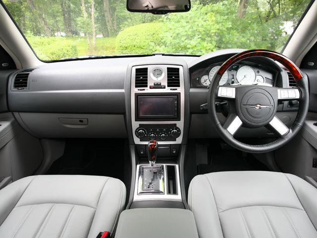 クライスラー 300Cツーリング 新型・現行モデル