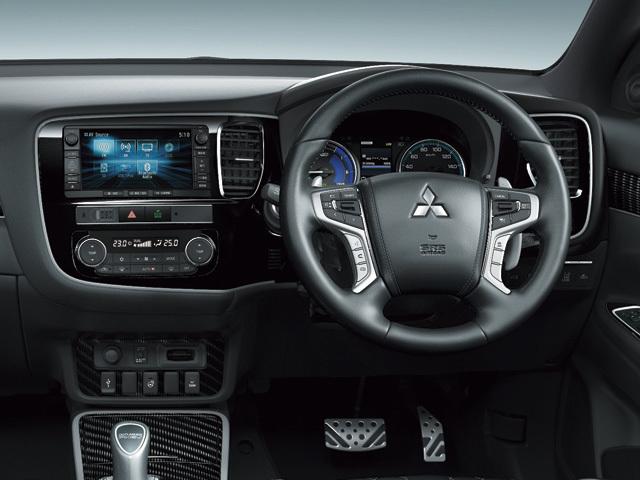 三菱 アウトランダーPHEV 新型・現行モデル
