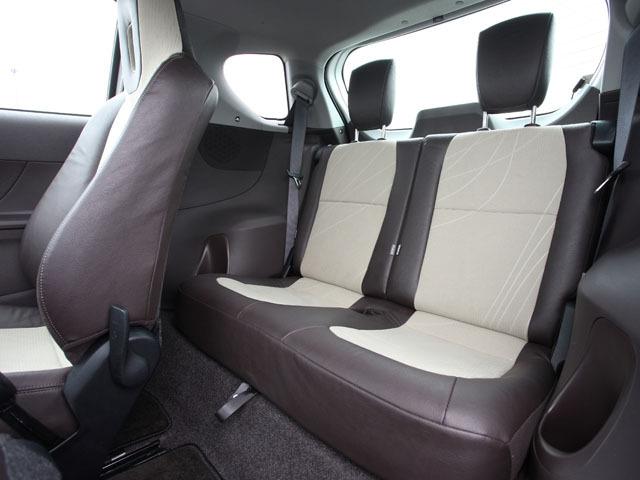 トヨタ iQ 2009年8月〜モデル
