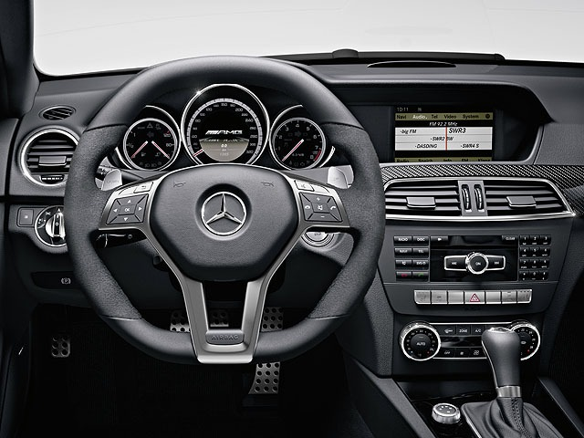 AMG Cクラスクーペ 新型・現行モデル