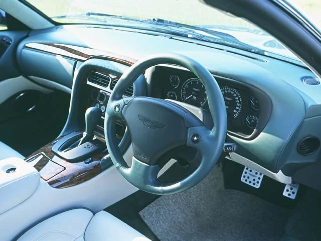 アストンマーティン DB7ヴォランテ 新型・現行モデル