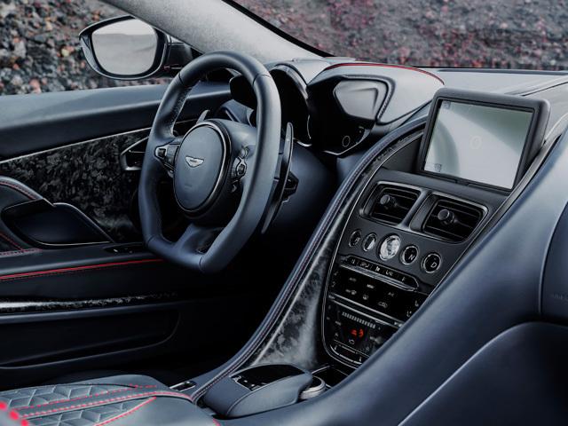 アストンマーティン DBSスーパーレッジェーラ 新型・現行モデル