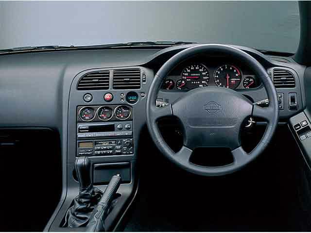 日産 スカイラインGT-R 1996年1月〜モデル