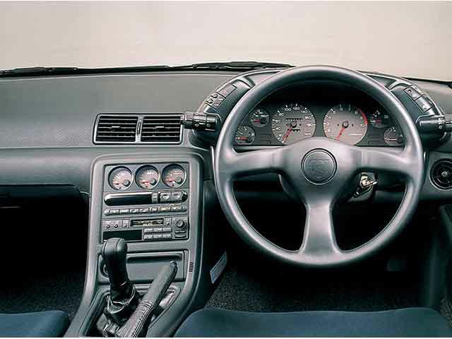 日産 スカイラインGT-R 1991年8月〜モデル