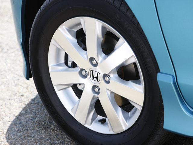 ホンダ フリードスパイク 新型・現行モデル