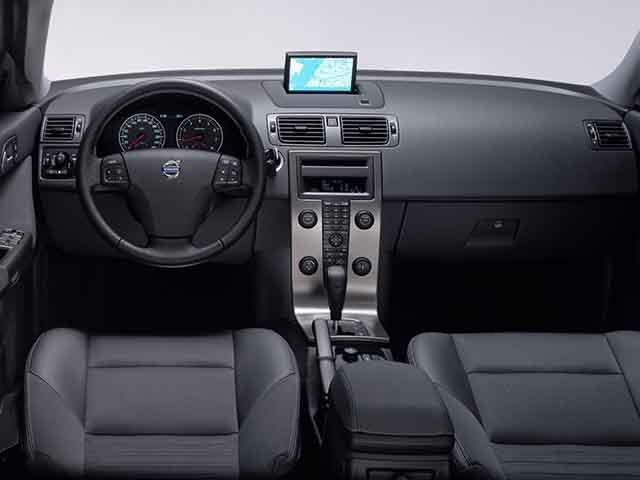 ボルボ S40 新型・現行モデル