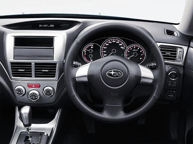スバル インプレッサハッチバック 新型・現行モデル