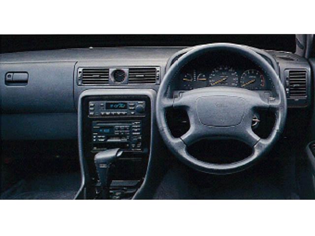 日産 セドリック 1993年6月〜モデル