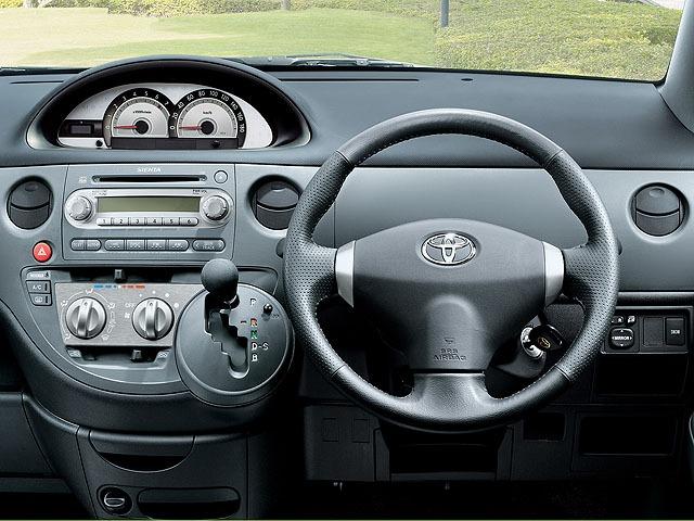 トヨタ シエンタ 2011年6月〜モデル
