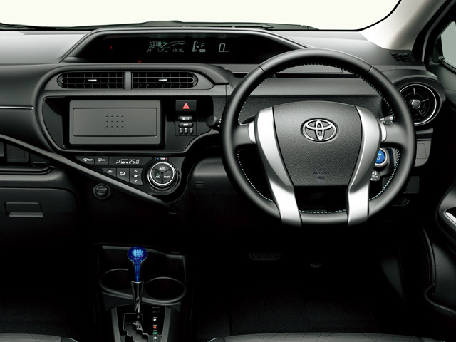 トヨタ アクア 2014年12月〜モデル
