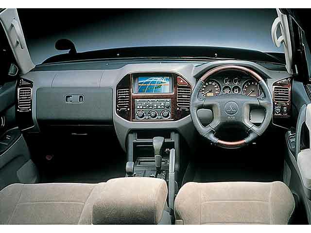 三菱 パジェロ 2000年8月〜モデル