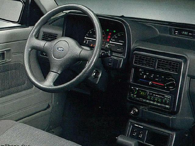 フォード フェスティバセダン 新型・現行モデル