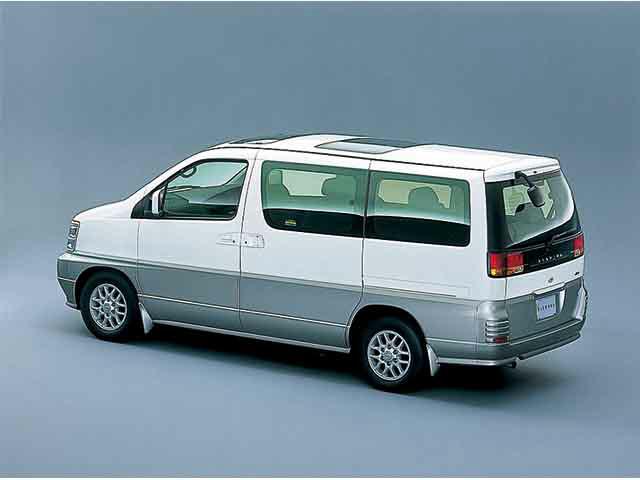 日産 エルグランド 1999年8月〜モデル