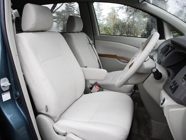 トヨタ アイシス 2011年6月〜モデル